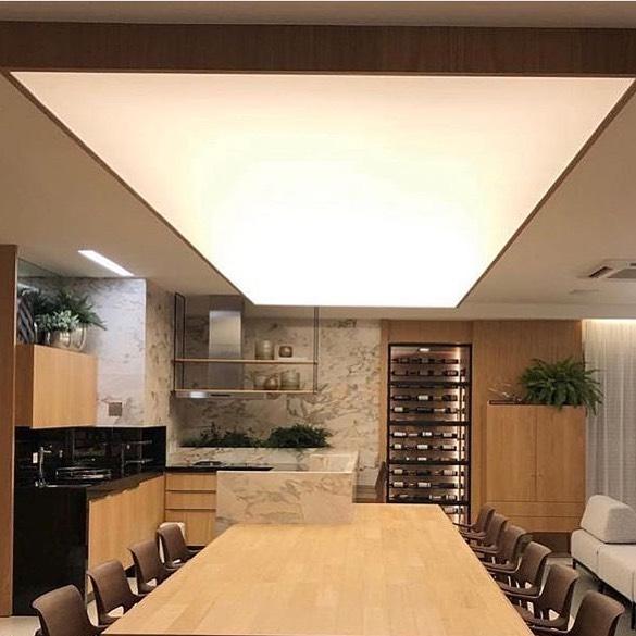 Plafonniers 2021: lumières et bandes LED
